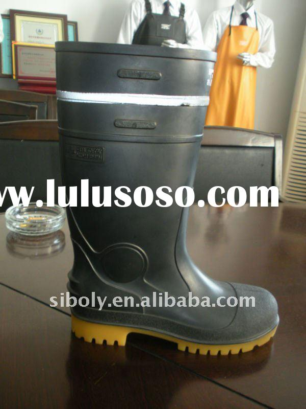 pvc safety boots equipped with reflective straps