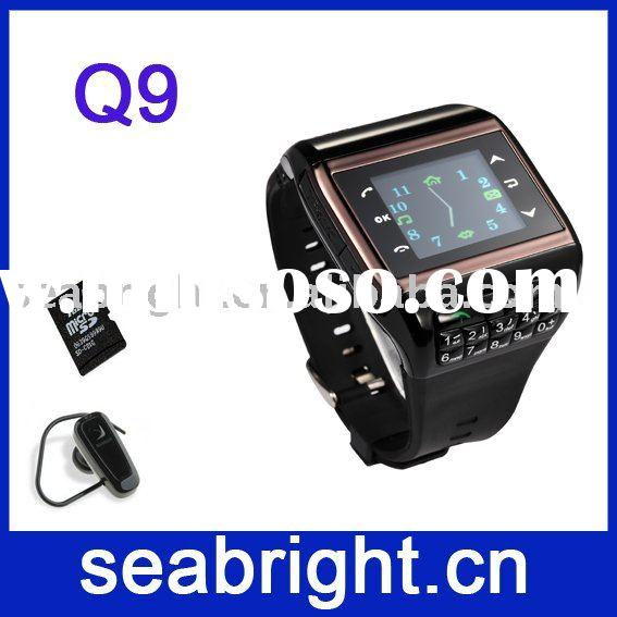 1.3 inch QVGA TFT touch scteen dual sim Bluetooth fashion wrist cell phone watch Q9