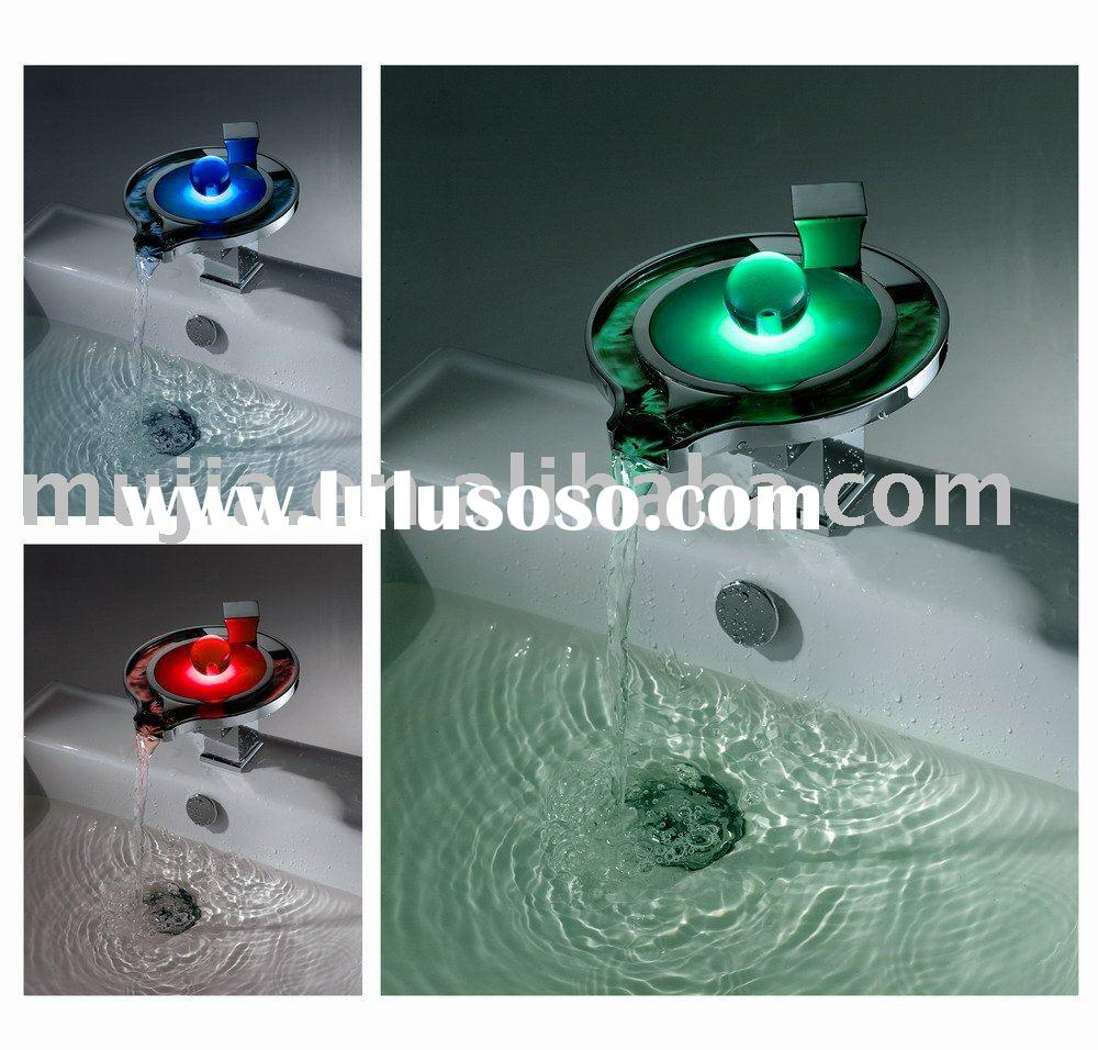 2011 New design waterfall led faucet LS03B