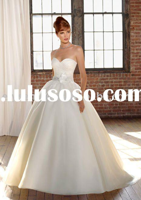 A-line Sweetheart Chapel Train Taffeta Beaded Hand Flower White Sleeveless Bow Wedding Dresses