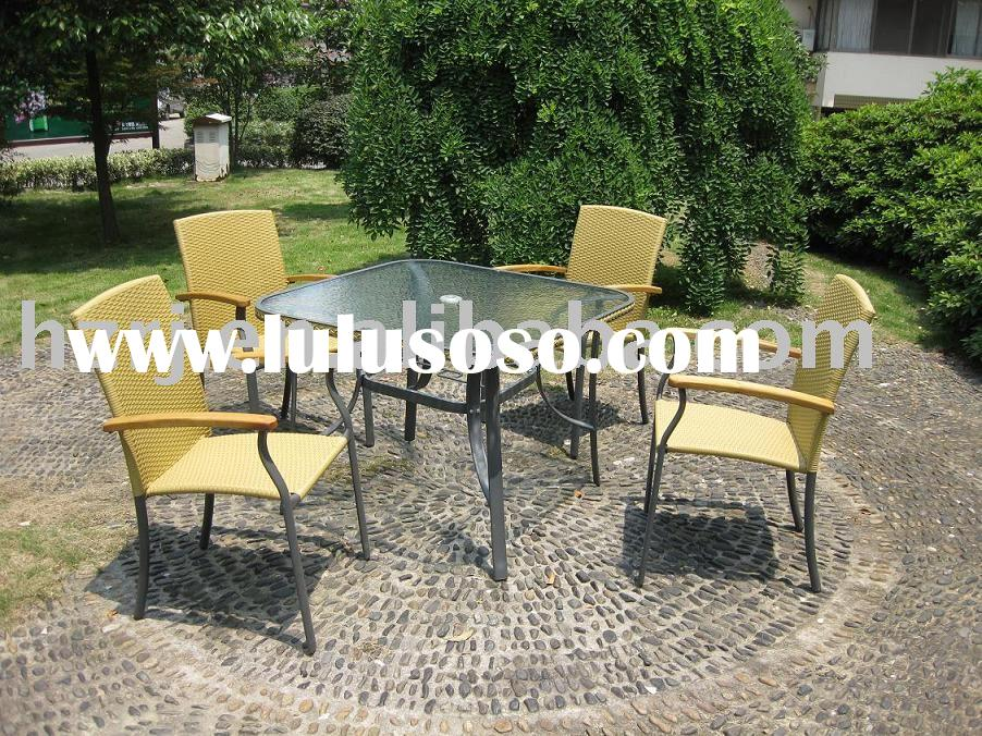 Garden Furniture(garden table with rattan chairs)