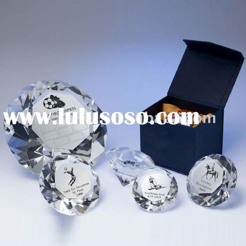 Optical Crystal Diamond Shaped Paperweight Party Gifts Favors