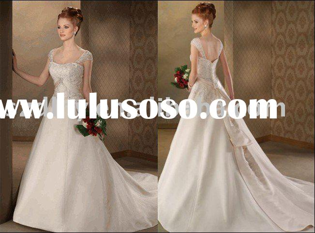 hot-sale unique design and stunning discount wedding dress with long tailing TY7108