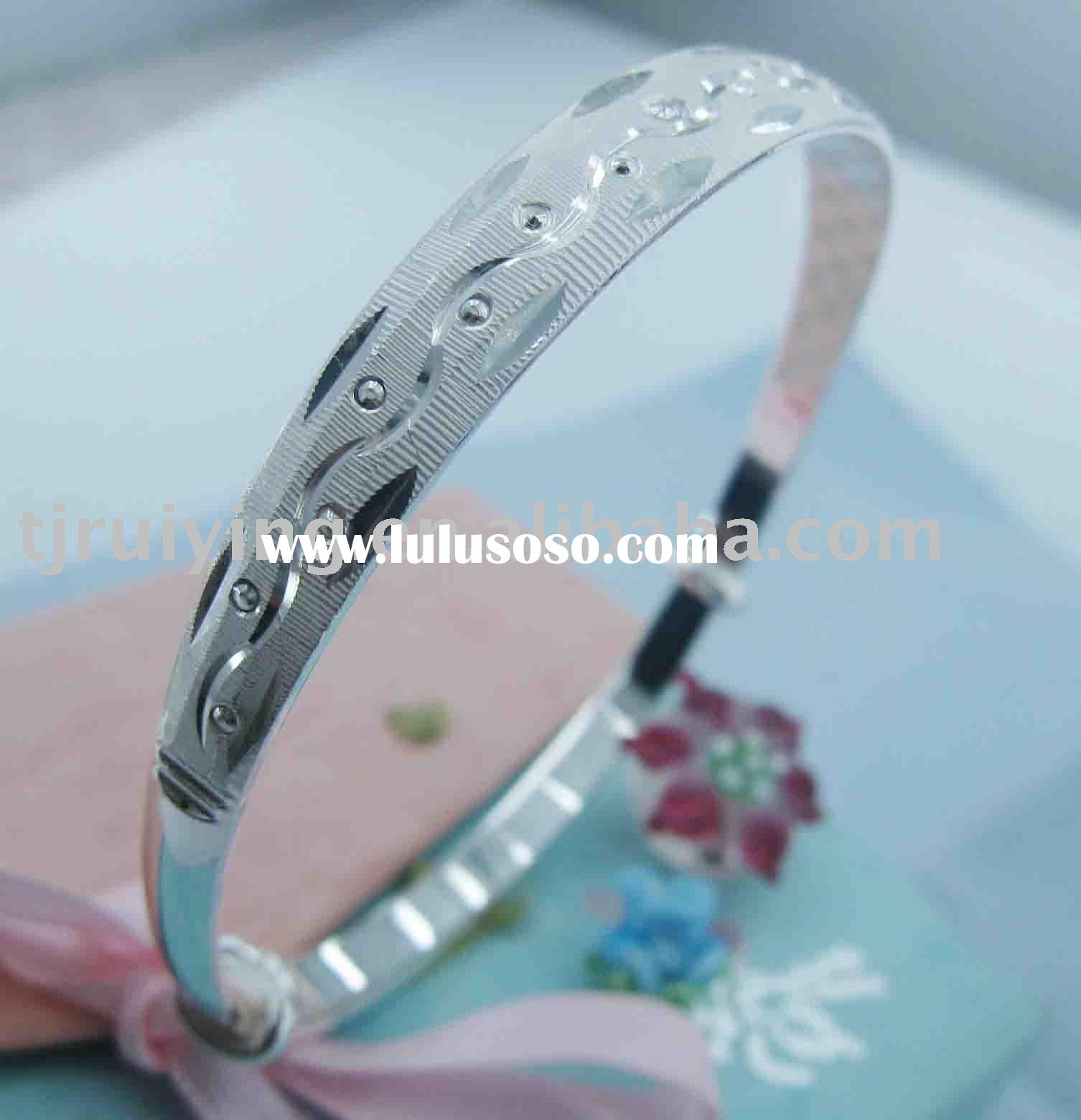 newest design fashion solid sterling silver bangle