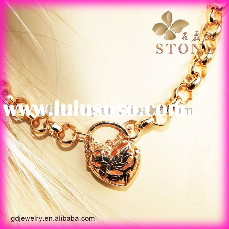 2011 Fashion graceful Design gold Jewelry Gold necklace