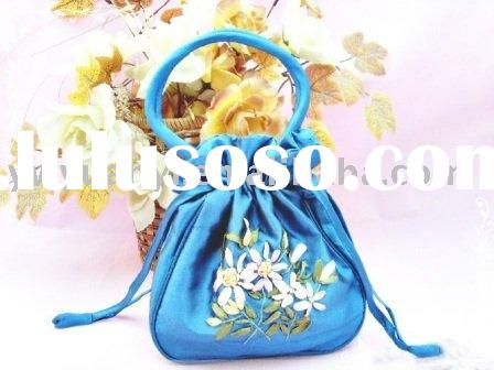2011 new fashion small embroidery tote bag