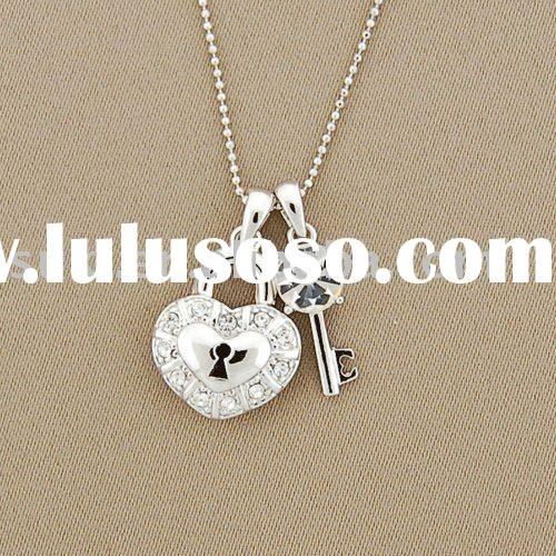 Heart-Lock And Key Pendant Fashion Necklace