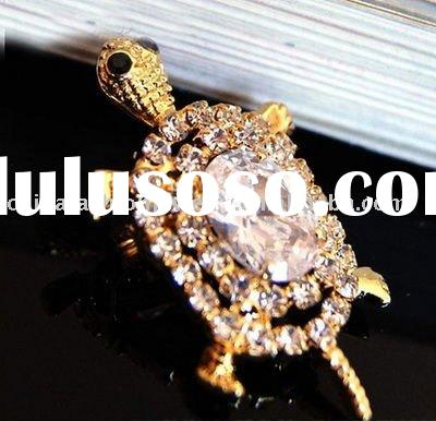 Hot Sale Sparkling Crystal Turtle Brooch in 2011