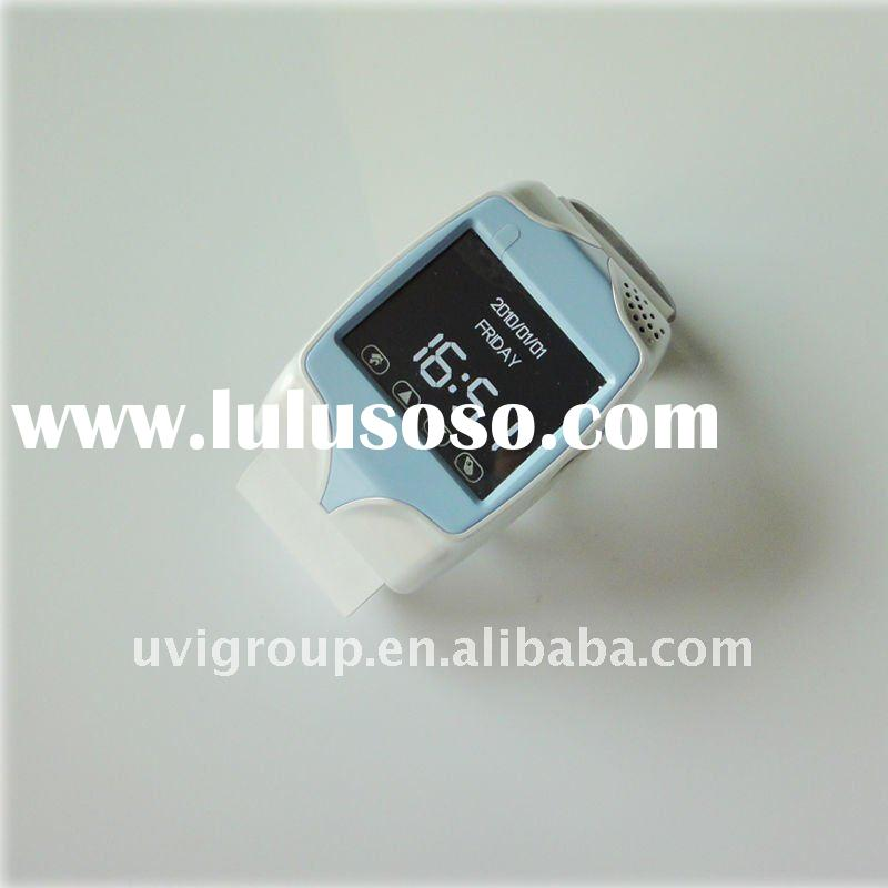 MINI Personal GPS tracker with cell phone and real-time tracking system.GPS-202C