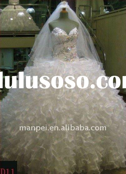 MP-117 2012 Top Quality Sweetheart Strapless Crystal Beaded Ball Gown Bridal Dress Stunning Ruffles