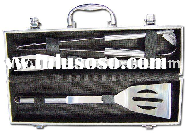 (BBT-06003A) 3 Pcs BBQ Tool Set with Stainless Steel Handle in Aluminum Case