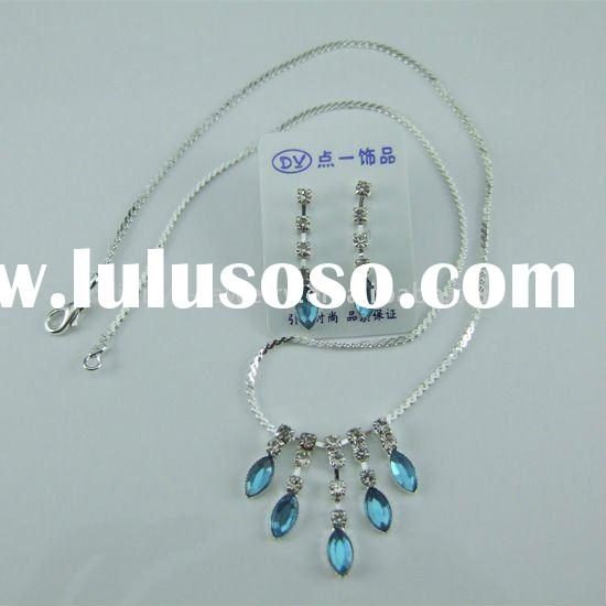 customized trendy jewelry crystal jewelry set.the water drop shape jewelry necklace