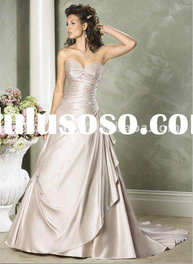 sweetheart neckline wedding dress , wedding gown with corset closure in the back , designer bridal g