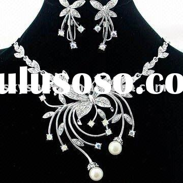 Fashion Diamond and Pearl Butterfly jewelry set (SWTNC017B)