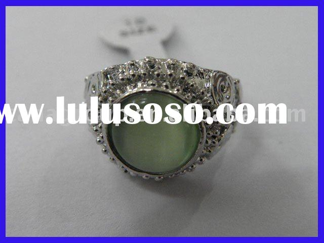Green cats eye ring