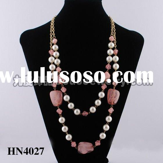 The latest design pearl acrylic beads necklace 2011