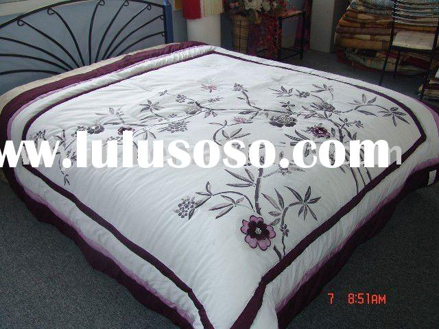 Appliqued bedding set luxury
