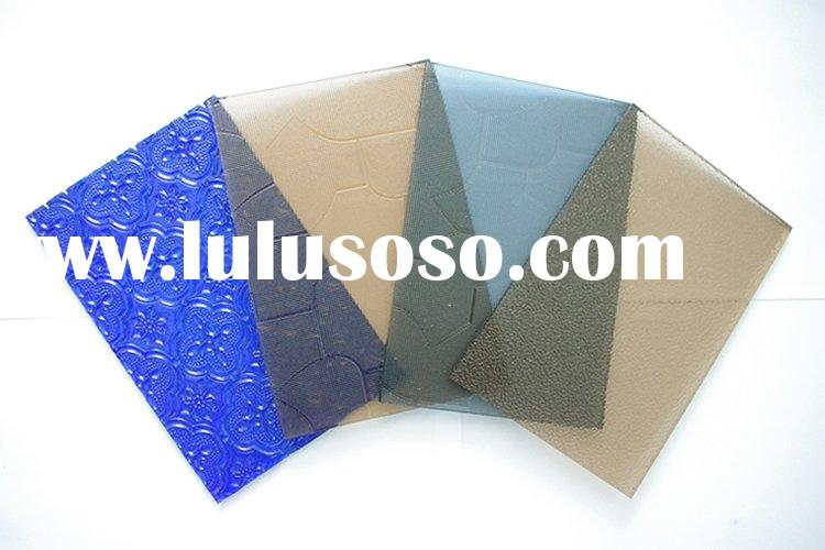 Colour patterned glass