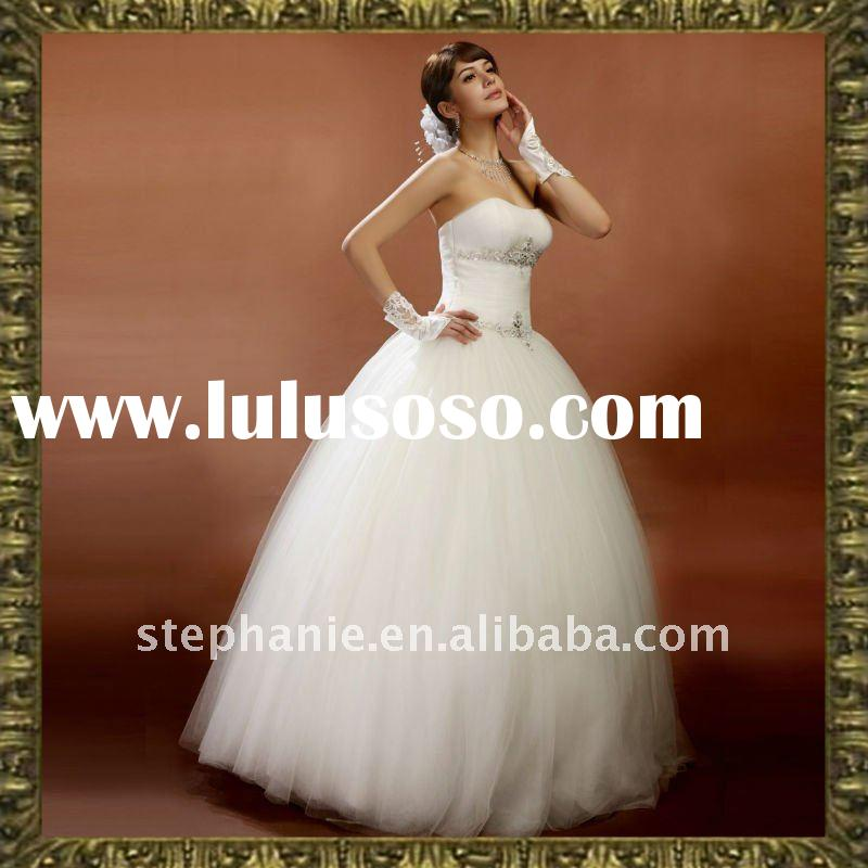 Guangzhou Hot Sale Elegant Embroidery Lace Swarovski Wedding Dress (A6256)