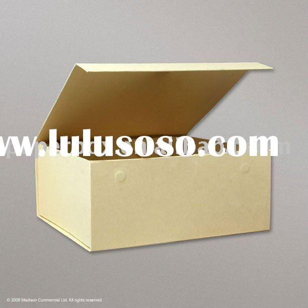 cream color flip top magnet closure box with two magnets