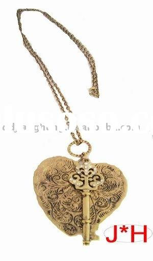 2010 fashion heart key pendant necklace