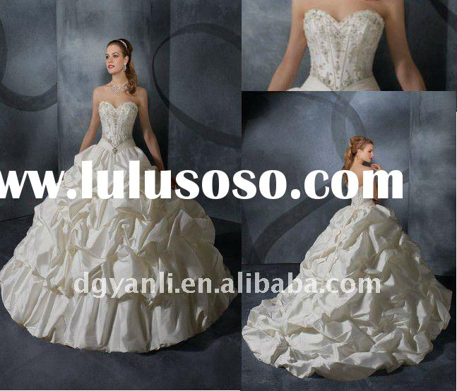 2012 Wholesale Luxury Vintage Strapless Ball Gown White Taffeta Beaded Wedding Dresses 00006
