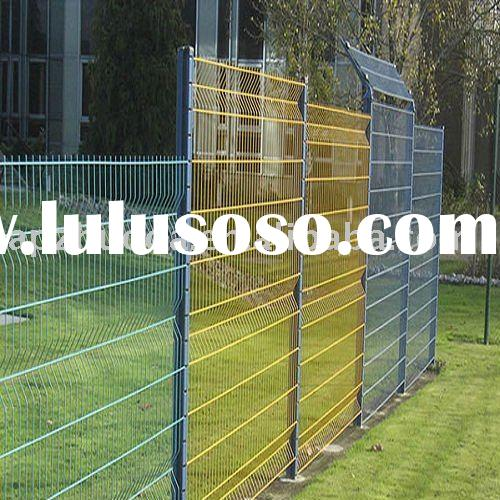 Hot galvanized /PVC coated Wire Mesh Fence /Euro fence/sheet/netting/guardrail