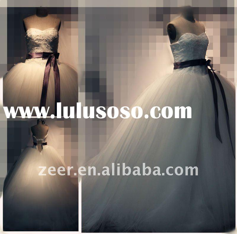 Hot sale factory modest ball gown gorgeous luxury wedding dress bridal gown D1028