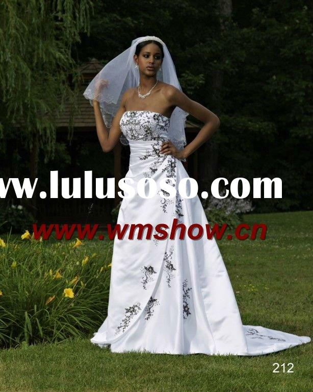 2012 Appliqued White Black Lace Wedding Dress