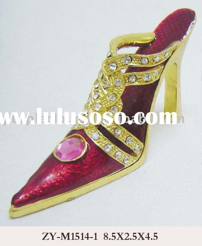 Stylish Shoe Decoration, alloy made, gold plated, and red enamel, crystal stones