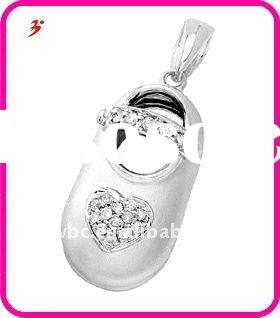 Yiwu alloy white gold baby shoe with diamond heart shape pendant jewelry(H184173)