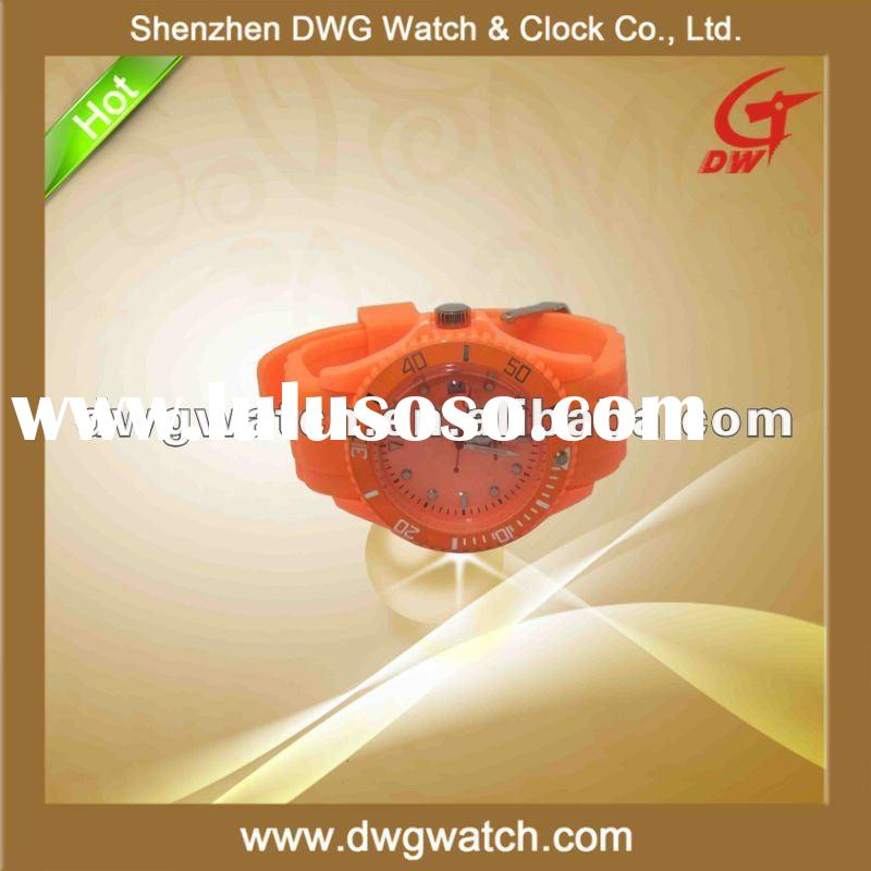2011 New Quartz Fashion Silicone Watch with Calendar in 3 ATM Waterproof DWG--R0002