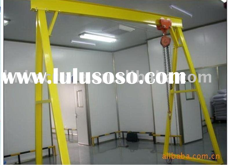 Mini mobile gantry crane used in workshop