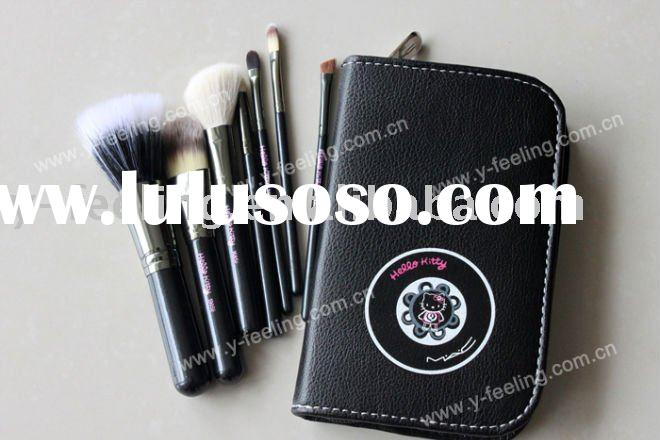 wholesale M&ac Hello kitty 7 pcs goat hair & nylon makeup brushes set & case