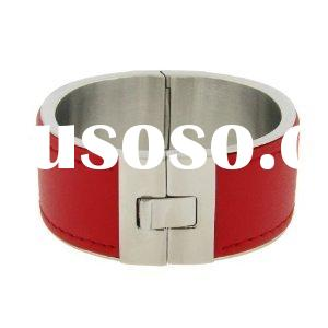 """Ladies Stainless Steel Cuff Bangle in Red 7.25"""""""