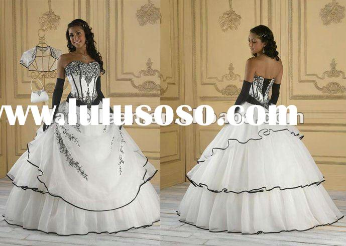 WR1818 Embroidery Wedding Dress Black and White Ball Gown