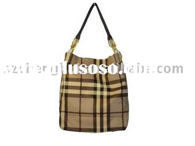 2011 fashion lady handbag Pretty girl