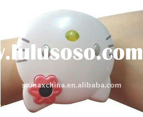 2011 Hello Kitty Cartoon Watch Mobile Phone C109