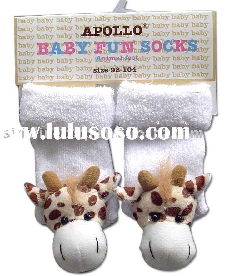 full terry baby socks with rattle giraffe toy