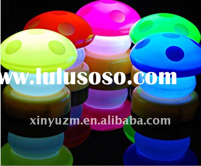 2012 hot sale CE&RoHS led decorative plug in night lights