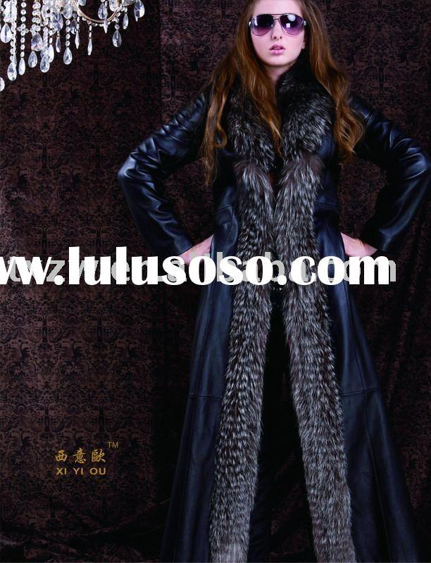 Lambskin leather coat with fox fur trimming