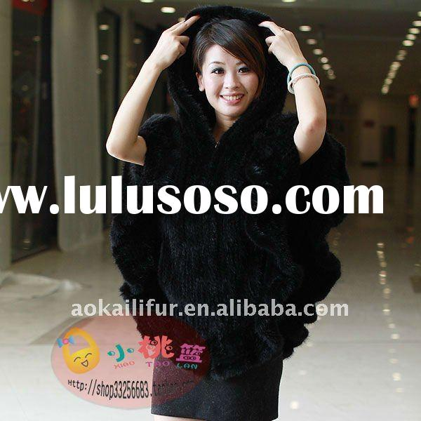 Real mink fur poncho. Dyed knitted mink poncho with fashion design. Hot selling with wholesale price
