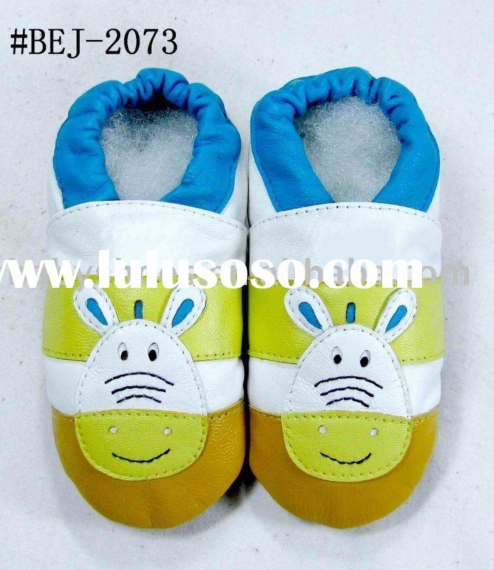 pretty pattern soft sole leather baby shoes