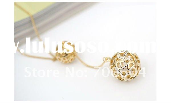 hollowed-out ball necklace chain,fashion necklace pendant,jewelry necklaces design,metal necklace fo