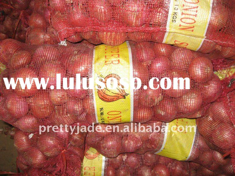 Chinese fresh red onion in mesh bag