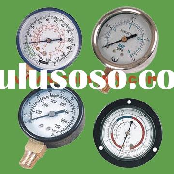 Oil filled pressure gauge and manometer