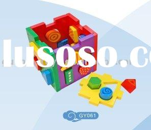 Wooden puzzle shape sorter toy
