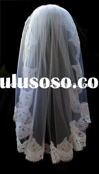 Elegant One Layer Tulle Lace Appliqued Edge Bridal Veil V-71