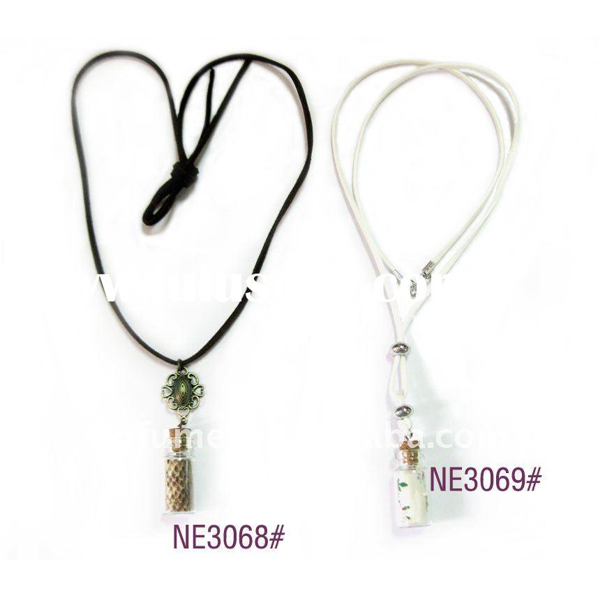 Fashion necklace pendant with bottle (NE3068)