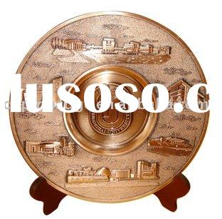 zinc alloy souvenir plate with wood stand